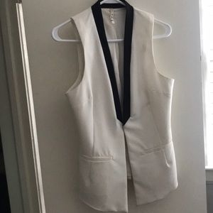 Sleeveless Black & White Vest